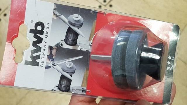 Sharpener for knives and scissors for drill screwdriver а.С.м