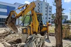 EXCAVATOR WITH HYDRAULIC HAMMER а.С.м
